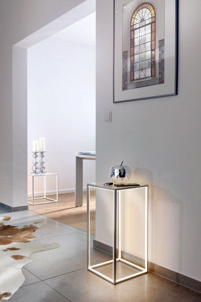 exklusive beleuchtung f r den eingangsbereich mit ablage idc germany gmbh d sseldorf. Black Bedroom Furniture Sets. Home Design Ideas
