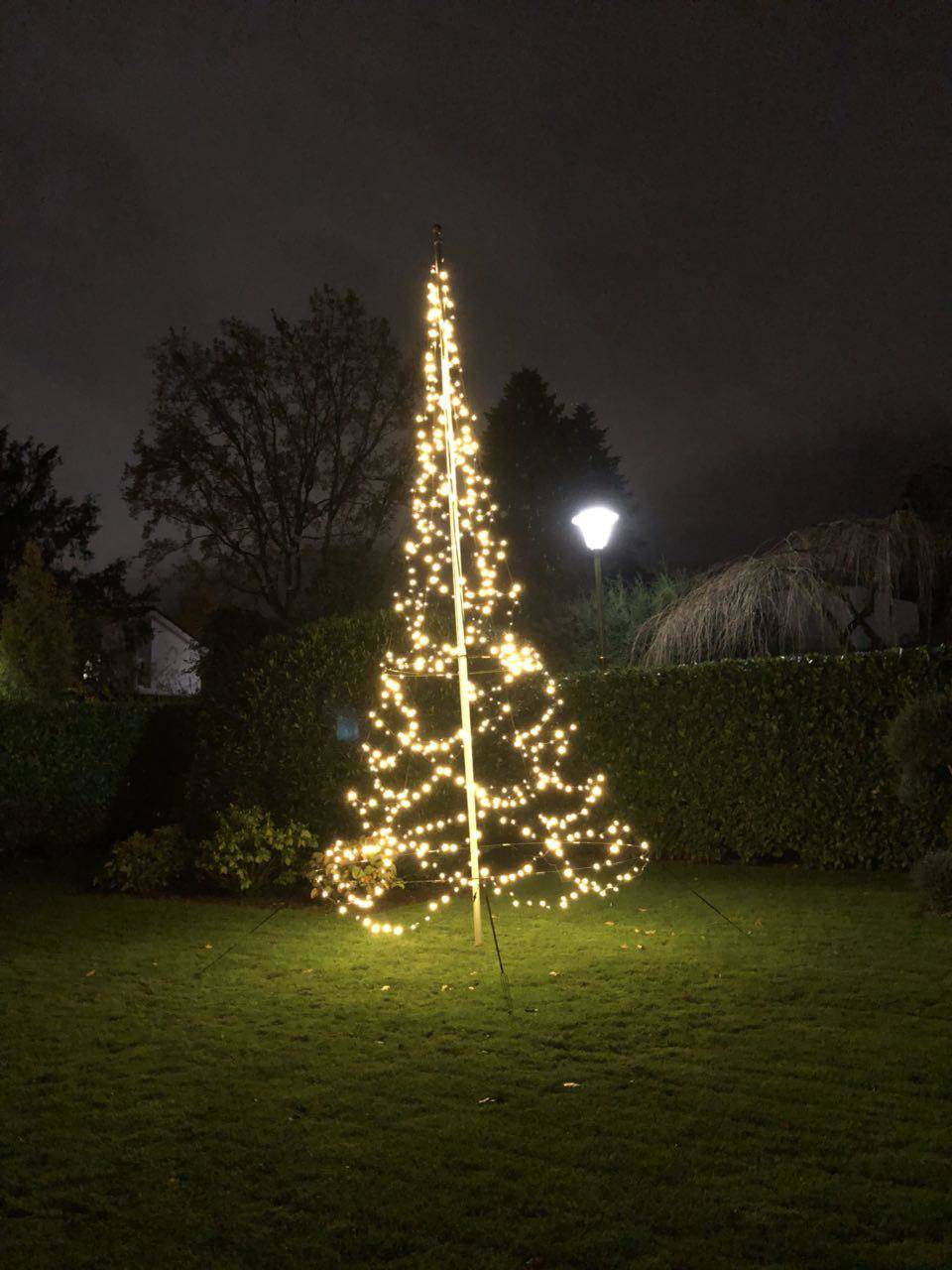 Fariybell LED Weihnachtsbaum mit 600 LEDs